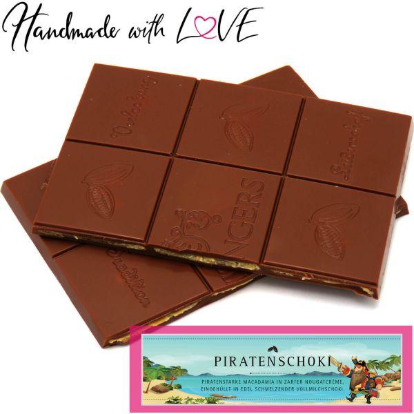 Vollmilch-Schokolade mit Macadamia-Nougat hand-geschöpft (90g) - Piratenschoki (Tafel-Karton)