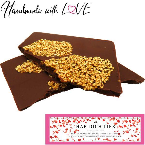 Vollmilch-Schokolade mit Sesam-Krokant hand-geschöpft (90g) - Hab Dich lieb (Tafel-Karton)