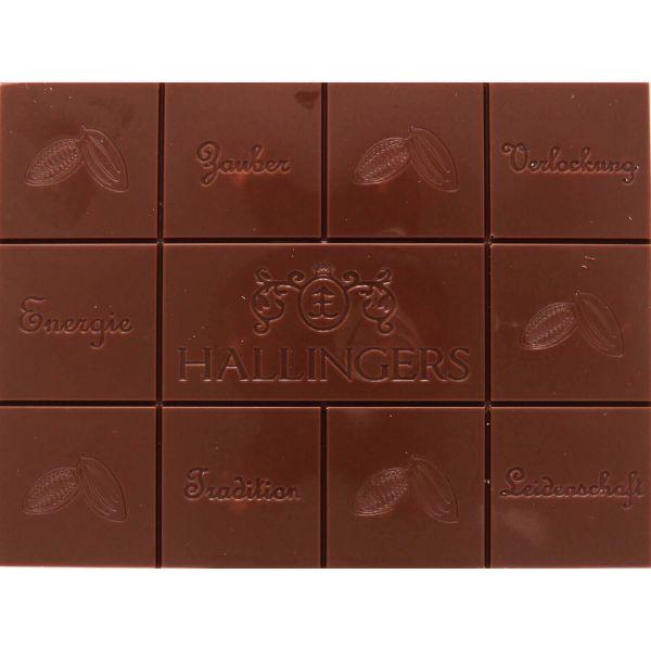 Vollmilch-Schokolade mit Nuss-Nougat hand-geschöpft (90g) - Alle Jahre wieder (Tafel-Karton)