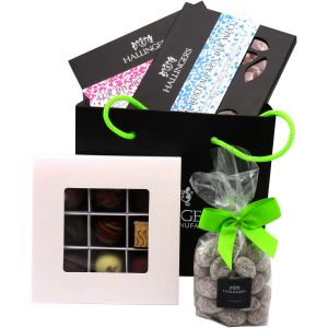 Geschenk Set - 2 Tafeln Schokolade, 9er Pralinen und Nougatmandeln (439g) - Muttertag & Vatertag Bag Green (Bundle)